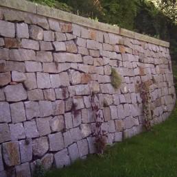 Große Steinmauer