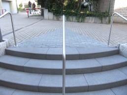 Treppe mit Geländer